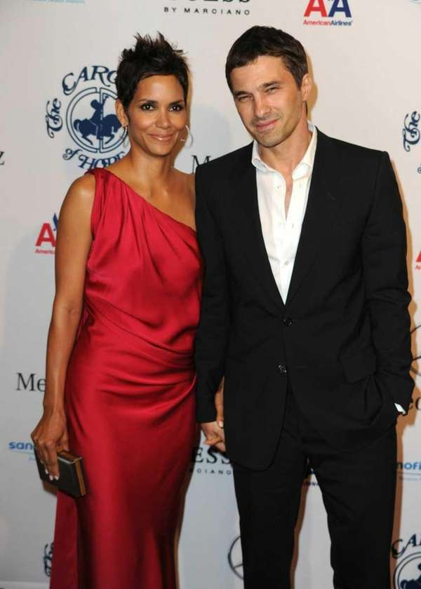 Halle Berry and Olivier Martinez arrive at the