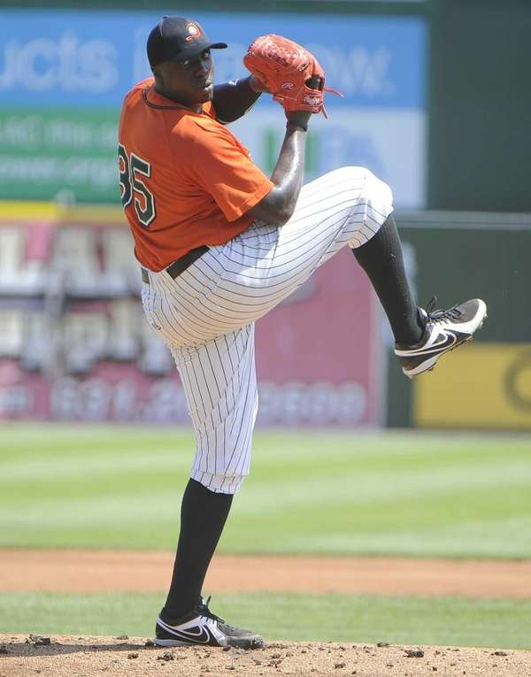Ducks pitcher Dontrelle Willis delivers against the Southern