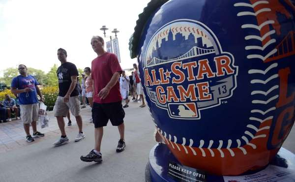 Fans flock to Citi Field for the Home