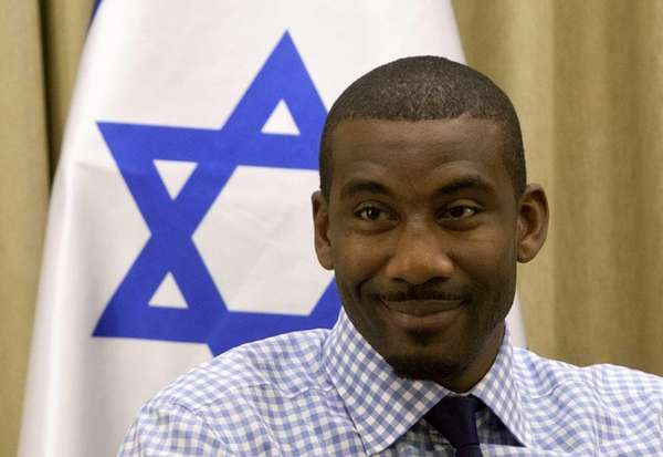 Amare Stoudemire attends a meeting with Israel's President