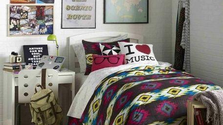 Design your dorm with help from Dormify.com designers