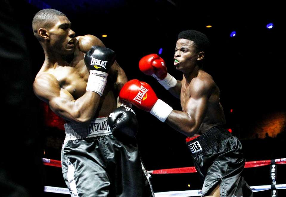 Wendy Toussaint fights On'Rey Towns at Paramount Theater.