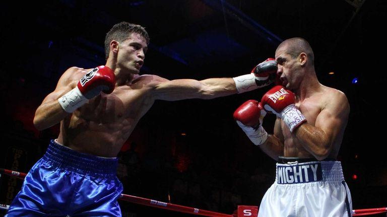 Chris Algieri of Huntington, left, fights Mike Arnaoutis