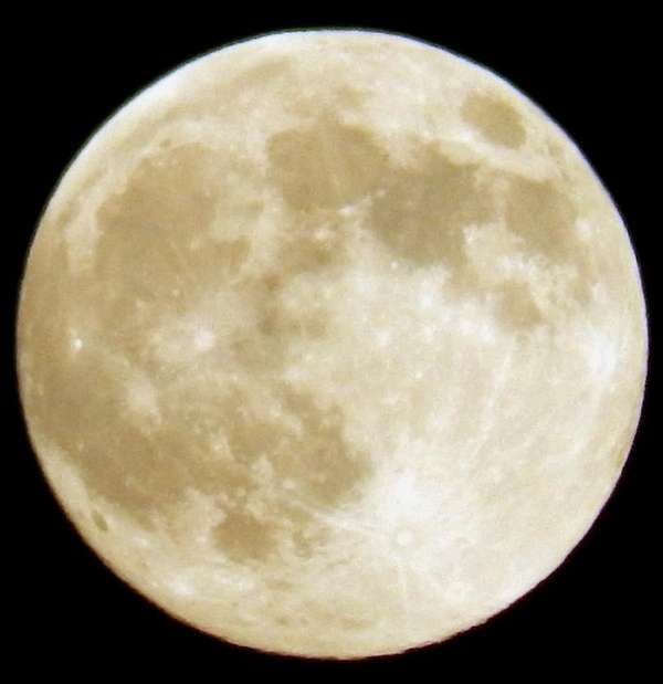 A full moon. (June 23, 2013)