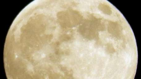A full moon. (June 23, 2013)