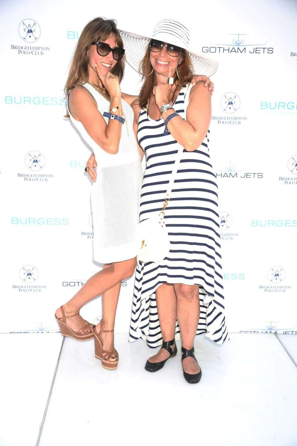 From left, Rachel Heller and Jill Zarin strike