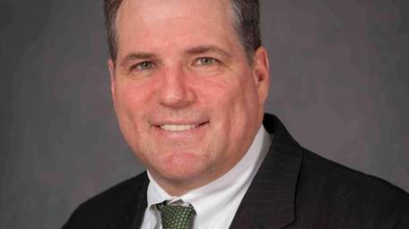 William Ayers has joined Astoria Federal Savings as
