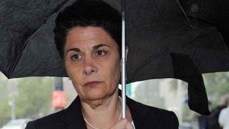 Laura Schwartz, a former ACA Capital Holdings director,