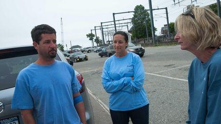 John Aldridge (left) stands next to his sister-in-law,