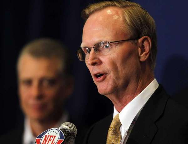 New York Giants owner John Mara speaks at