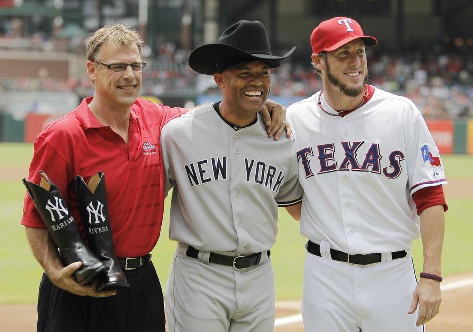 TEXAS RANGERS Former Texas Rangers closer John Wetteland,