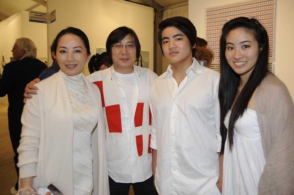 L to R Tina Wong, Alex Cav, Tiger