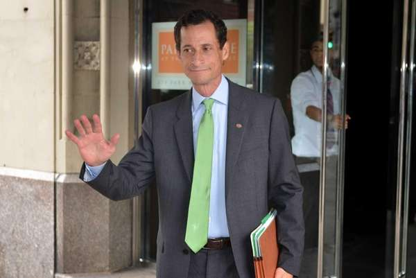 Anthony Weiner leaves his Manhattan apartment. (July 28,