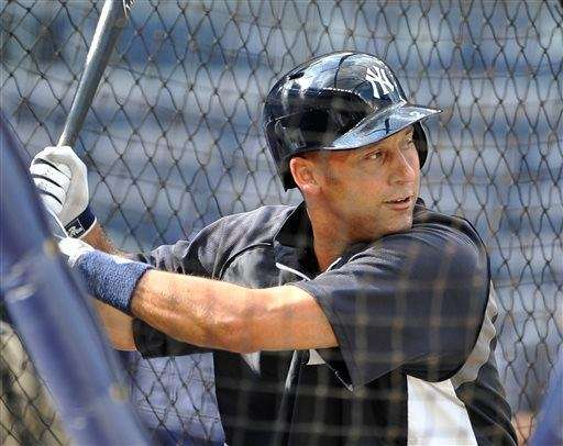 Derek Jeter takes batting practice before the Yankees'