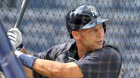 Derek Jeter takes batting practice before the Yankees'