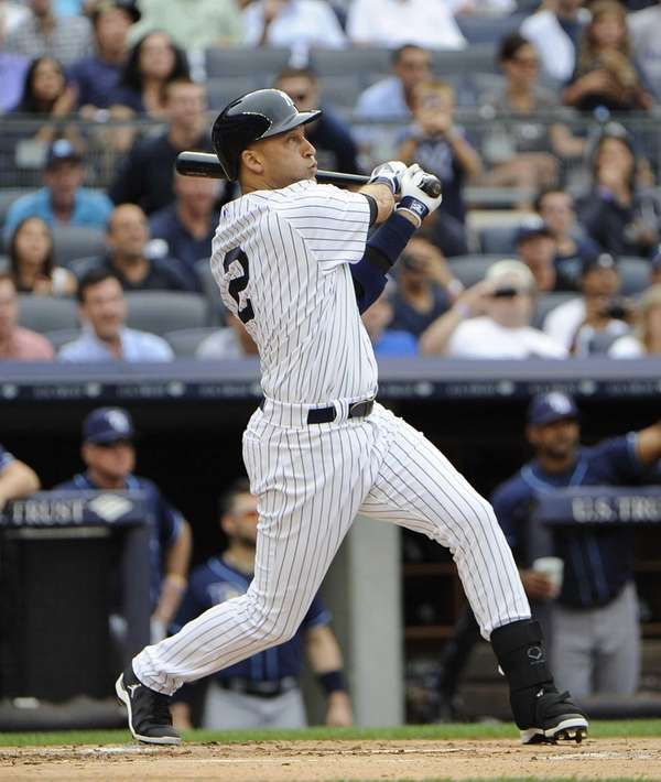 Yankees' Derek Jeter hits a home run in