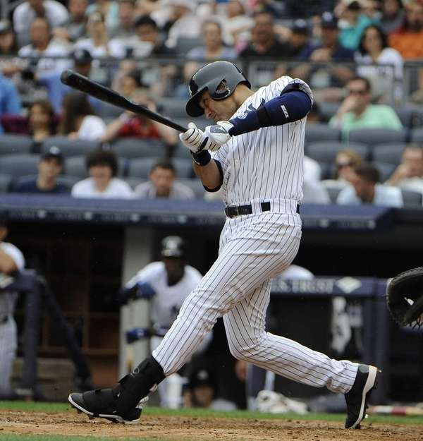 Derek Jeter hits a single in the third