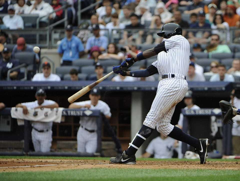 Alfonso Soriano hits a two-run home run in