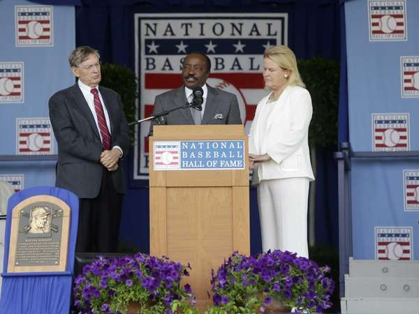 Baseball Hall of Famer Joe Morgan reads the