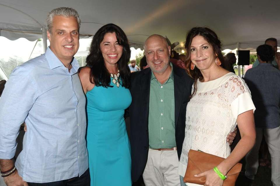 Honoree Eric Ripert, Sondra Ripert, Tom Colicchio and