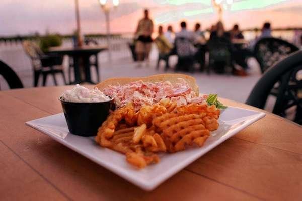 Singleton's Seafood Shack, Massapequa (Tobay Beach): The generous