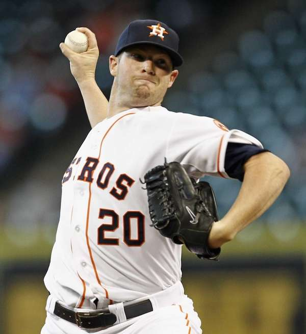 Houston Astros pitcher Bud Norris delivers a pitch
