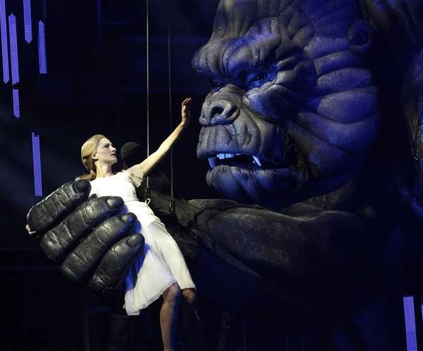 King Kong clutches Ann Darrow (Esther Hannaford) in