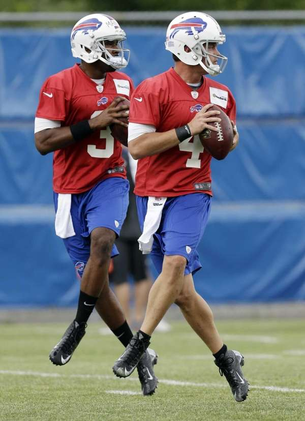Buffalo Bills quarterbacks Kevin Kolb, right, and EJ