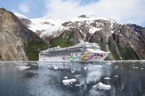 Norwegian Cruise Line's Norwegian Pearl in Alaska.