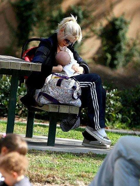 Gwen Stefani shared a tender moment with her