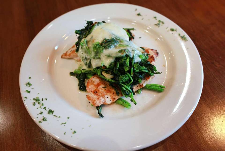 The grilled chicken with broccoli rabe is a