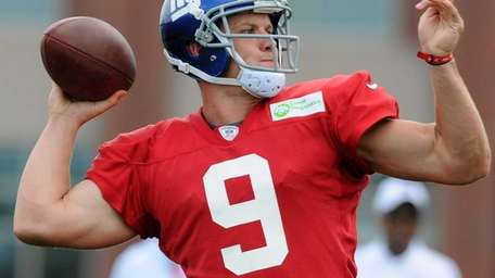 Giants quarterback Ryan Nassib throws a pass during