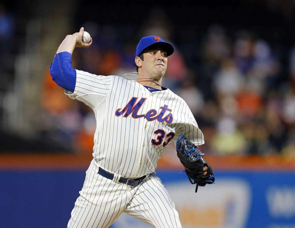 Matt Harvey of the Mets pitches against the