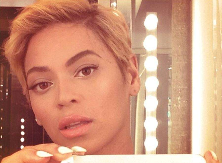 Beyoncé shared her new blond pixie cut with