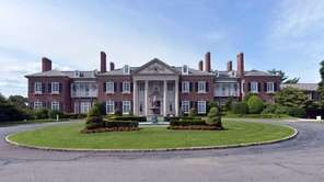 The Glen Cove Mansion is located at 200