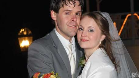 Jon and Khalie Aker on their wedding day