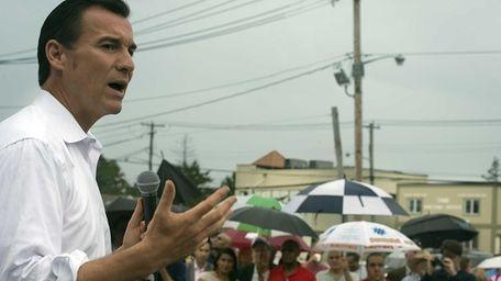 Former Nassau County Executive Tom Suozzi talks to