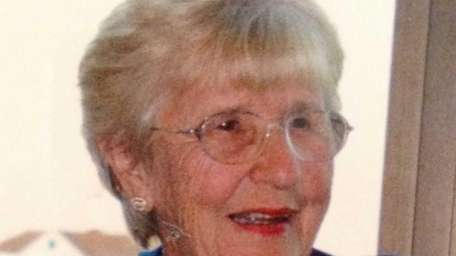Loraine Auld, 86, of Seaford died on Aug.