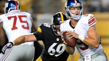 Giants quarterback Ryan Nassib (9) looks to throw