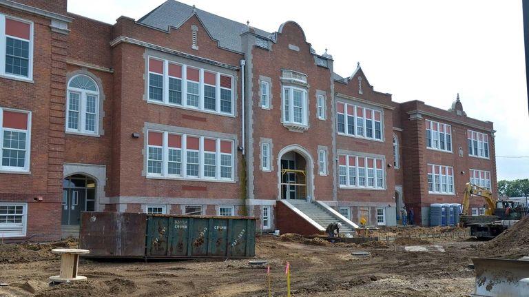 The long-shuttered Prospect School in the Hempstead school