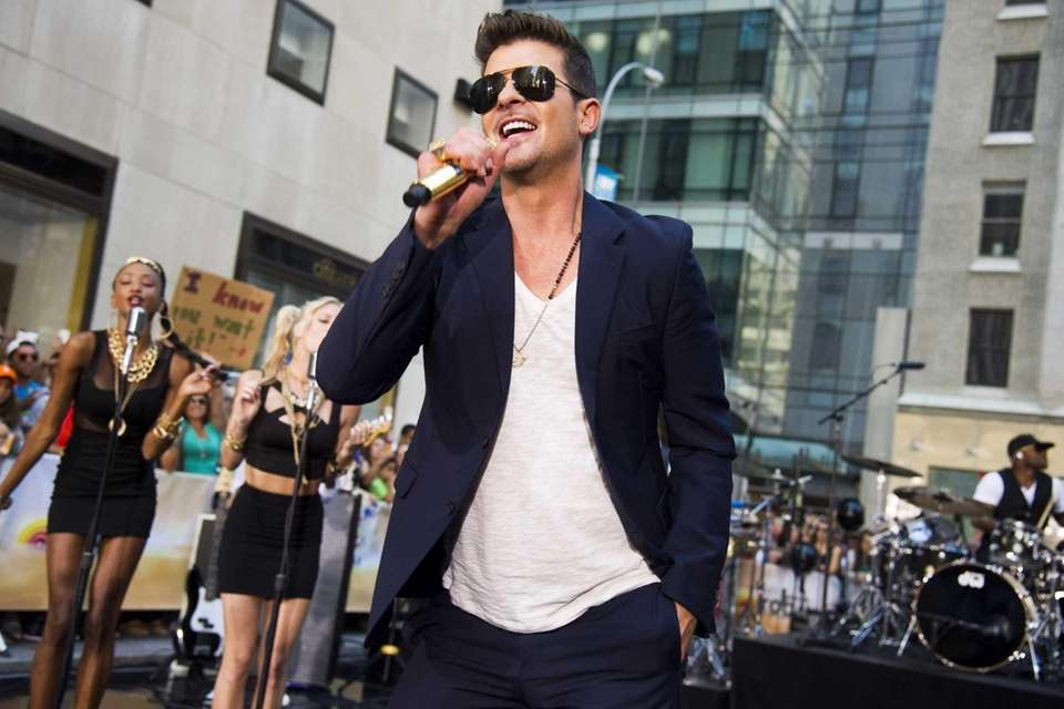 Robin Thicke will perform his summer anthem,