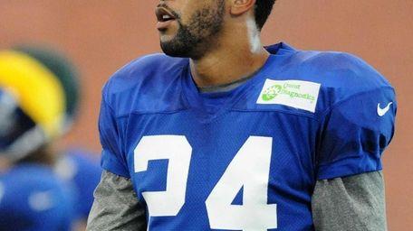 Giants cornerback Terrell Thomas practices during team training