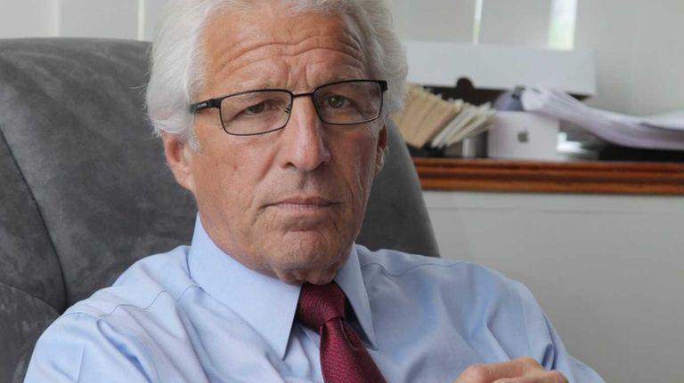 Raymond G. Perini has filed 4,725 signatures to