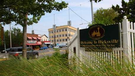 First-time home buyers come to Hicksville because its