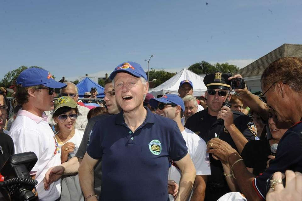 Bill Clinton turns out for the East Hampton