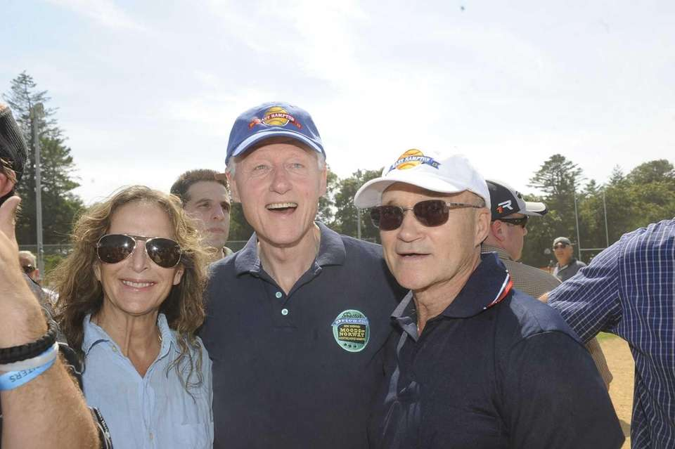Bill Clinton and NYPD commissioner Ray Kelly turn