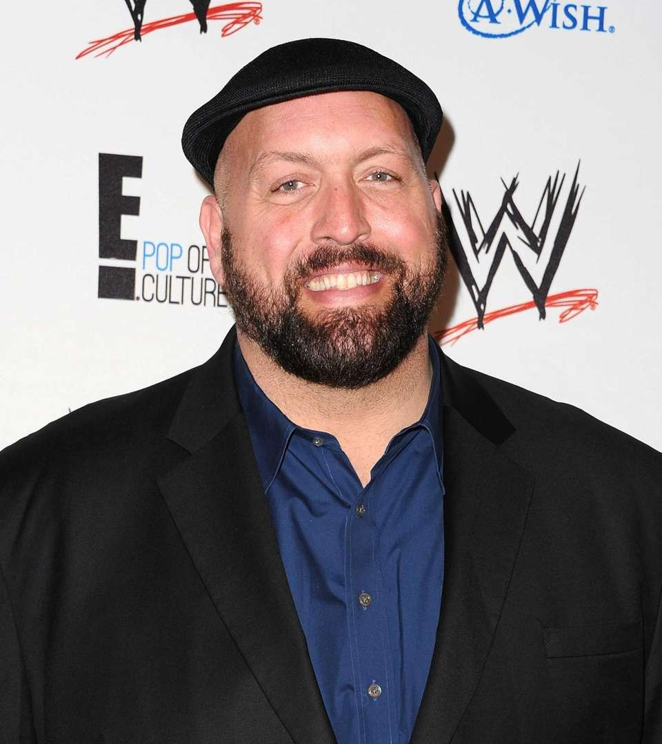Professional wrestler Big Show arrives at WWE and