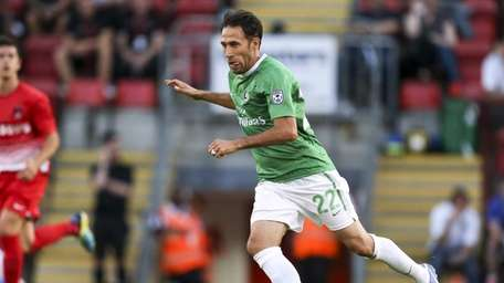 Alessandro Noselli of the Cosmos plays in a