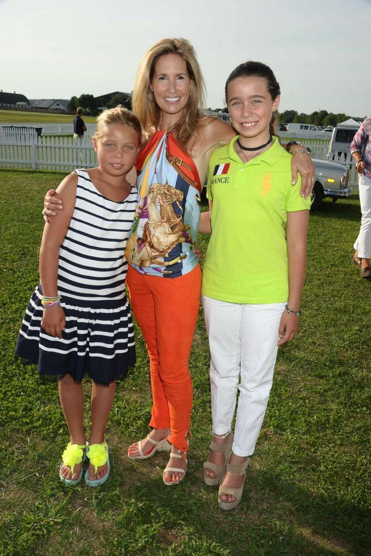 Jennifer Gerstel Ringelstein, center, with daughters Gabriella, left,