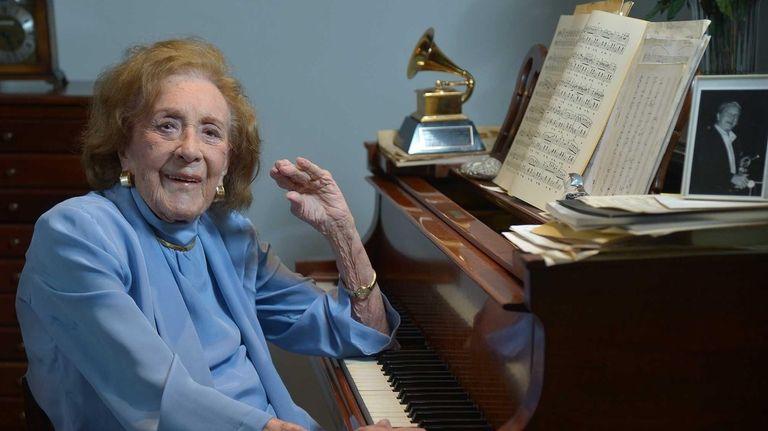 Jazz great Marian McPartland, 95, at the piano